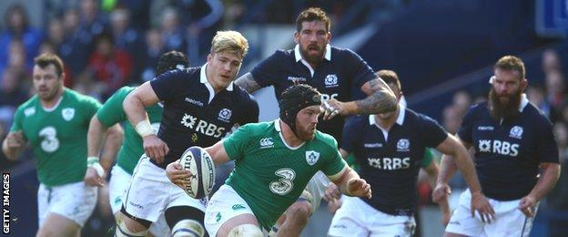 Sean O'Brien scored two tries as Ireland beat Scotland 40-10 to clinch the 2015 Six Nations title
