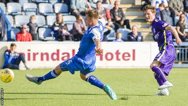 Liam Henderson bangs in the second goal for Hibs