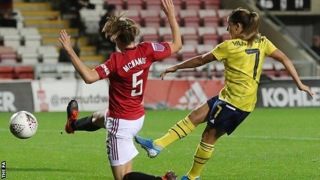 Danielle Van de Donk scores for Arsenal