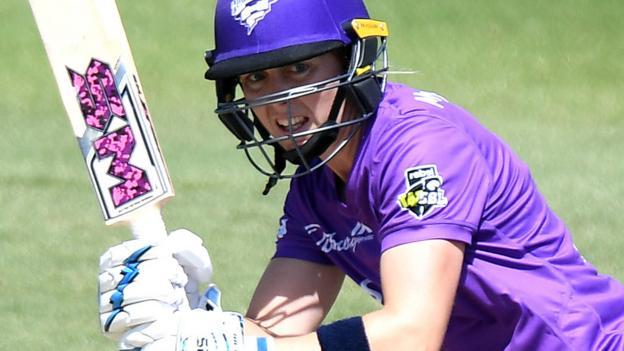 Women's Big Bash League: Heather Knight hits 77 in Hobart Hurricanes defeat thumbnail