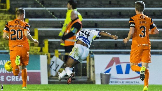 Jai Quitongo scores