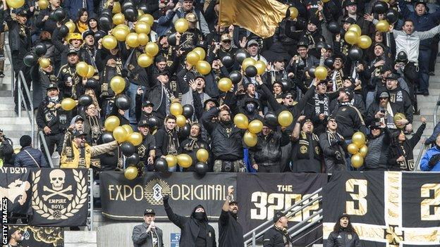 LAFC fans