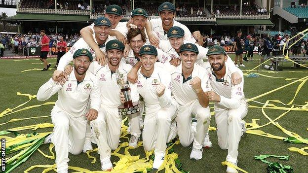 Australia celebrate their victory over New Zealand in Sydney