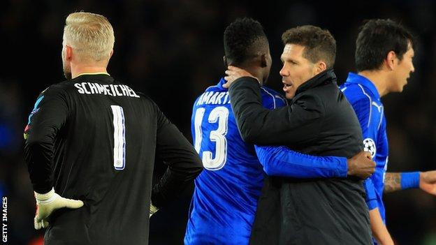 Atletico manager Simeone consoles Jamie Vardy