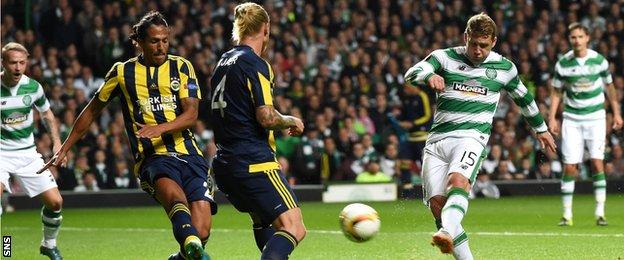 Kris Commons scores for Celtic against Fenerbahce