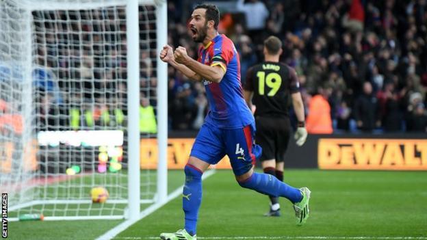 Luka Milivojevic celebrates scoring for Crystal Palace against Arsenal