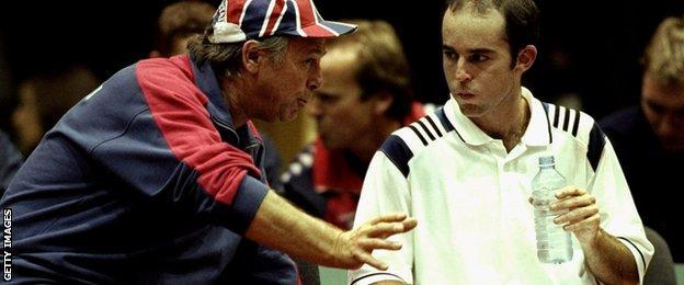 David Lloyd and Jamie Delgado at 2000 Davis Cup tie against Czech Republic