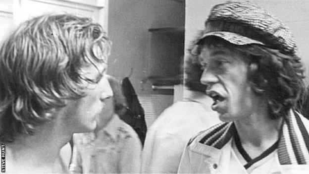 Steve Hunt and Mick Jagger