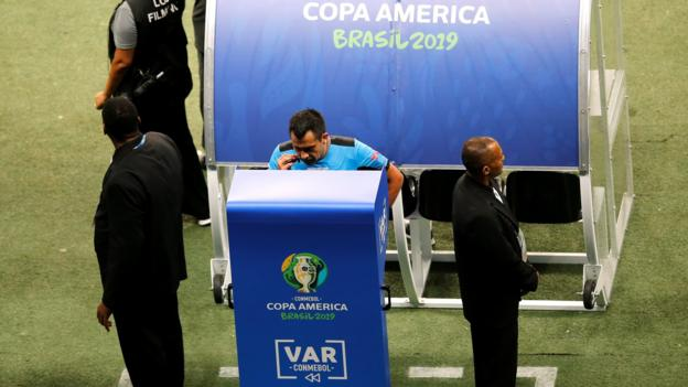 Copa America: Brazil booed off pitch after 0-0 draw with Venezuela thumbnail