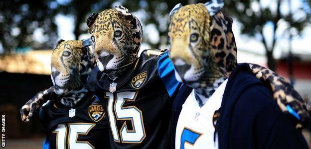Jaguars fans walk to Wembley Stadium