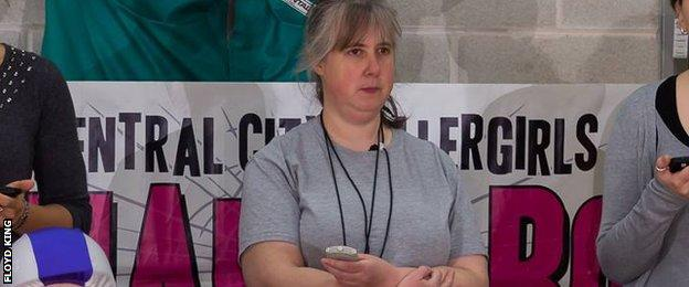 Roller derby non-skating official, Dena
