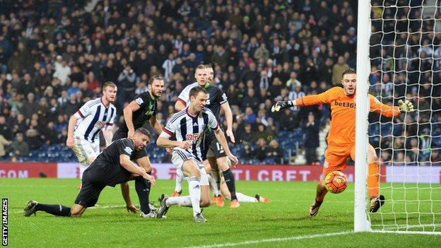 Jonny Evans scores winnerfor West Brom v Stoke