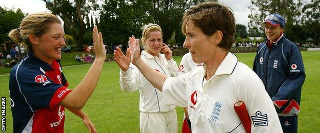 Claire Taylor (centre) is congratulated by Sarah Taylor after the Ashes win in Bowral in 2008