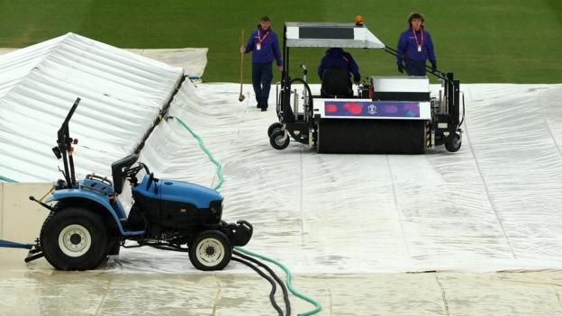 Cricket World Cup: Pakistan v Sri Lanka delayed by rain thumbnail