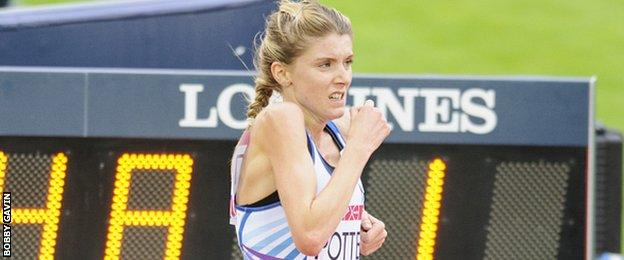 Beth Potter competes for Scotland at the 2014 Commonwealth Games in Glasgow