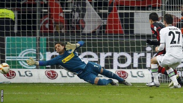 Javier Hernandez scores for Bayer Leverkusen against Borussia Monchengladbach