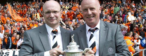 Peter Houston (right) led Dundee United to the Scottish Cup in 2010