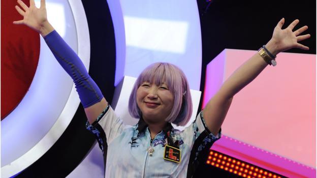BDO World Championships: Mikuru Suzuki beats England's Lorraine Winstanley thumbnail