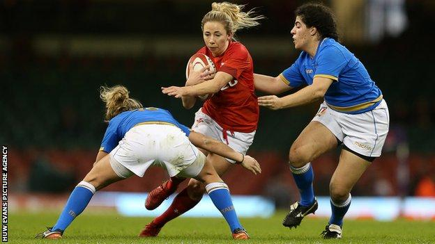 Bristol Bears fly-half Elinor Snowsill has won 48 caps for Wales