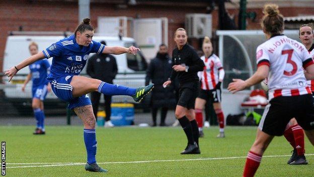 Natasha Flint scoring against Sheffield United