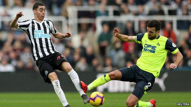 Huddersfield's Tommy Smith sent off against Newcastle