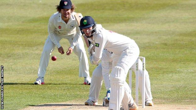 Kieran Bull added an unbeaten 85 for Glamorgan's ninth wicket with Andrew Salter