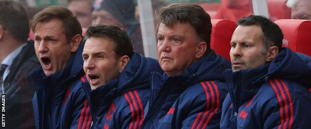 Louis van Gaal on the Manchester United bench