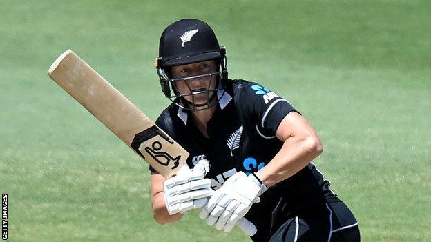 Sophie Devine crashes fastest women's T20 century in Super Smash