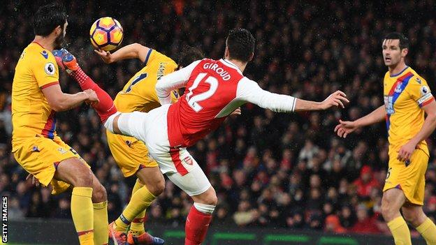 Olivier Giroud scores against Crystal Palace on New Year's Day
