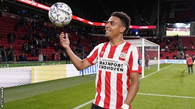 Donyell Malen Psv Eindhoven Youngster Scores Five In Rout Over Vitesse Bbc Sport