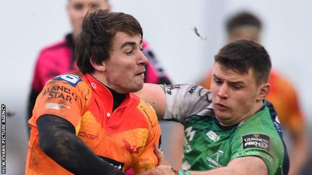 Rhodri Williams (left) in action for Scarlets in their defeat to Connacht in January 2016