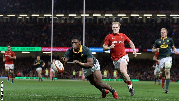 Wing Warrick Gelant outpaced the Wales defence to begin the Springbok recovery