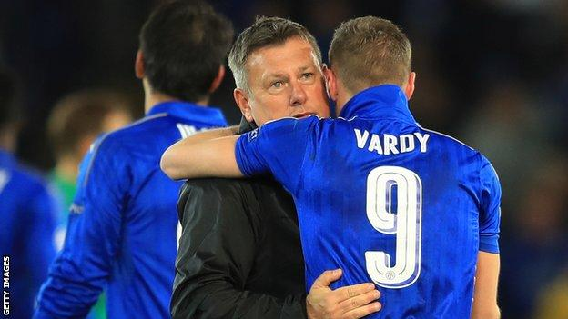 Craig Shakespeare hugs Jamie Vardy