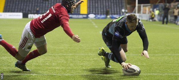 Glenn Bryce seals victory and a bonus point for Glasgow with his try