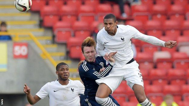 Stephen Haller playing for France Under-21s against Scotland Under-21s
