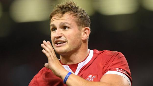 Wales: Wing Hallam Amos ready to fill in at fly-half against Uruguay in World Cup thumbnail