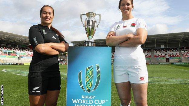 England captain Sarah Hunter, right, and her New Zealand counterpart Fiao'o Faamausili ahead of the 2017 Women's Rugby World Cup final at the Kingspan Stadium in Belfast, Northern Ireland