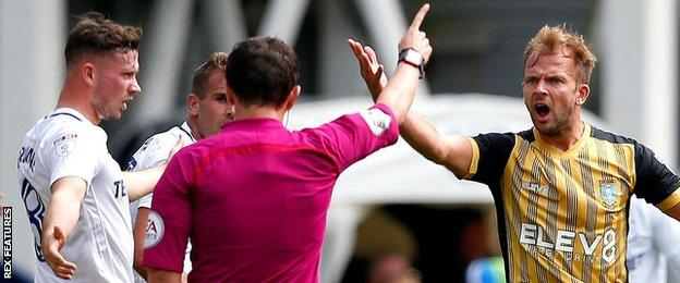 Jordan Rhodes in action for Sheffield Wednesday
