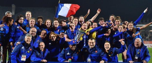 France celebrate winning the 2016 Six Nations