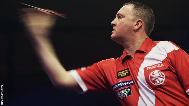 Glen Durrant in action at the BDO World Darts Championships