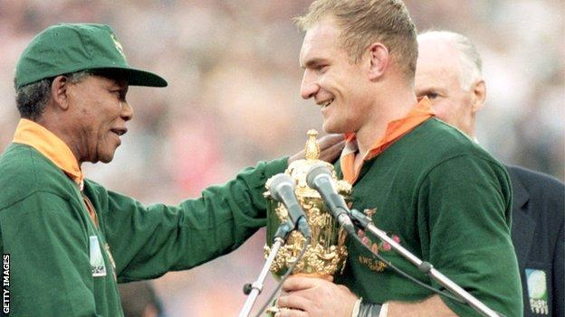 Nelson Mandela and 1995 South Africa World Cup-winning captain Francois Pienaar