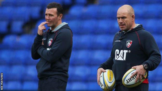 Aaron Mauger (left) and Richard Cockerill