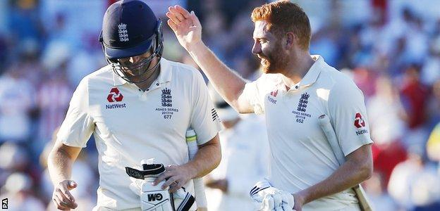 Jonny Bairstow and Dawid Malan congratulate each other