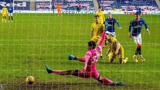 Hagi goal seals 12th straight league win for leaders Rangers thumbnail
