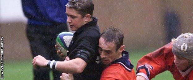 Shane Williams playing for Neath against Llanelli in 1999