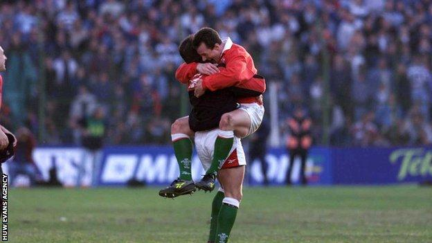 Rob Howley celebrates a Wales victory over Argentina in 1999