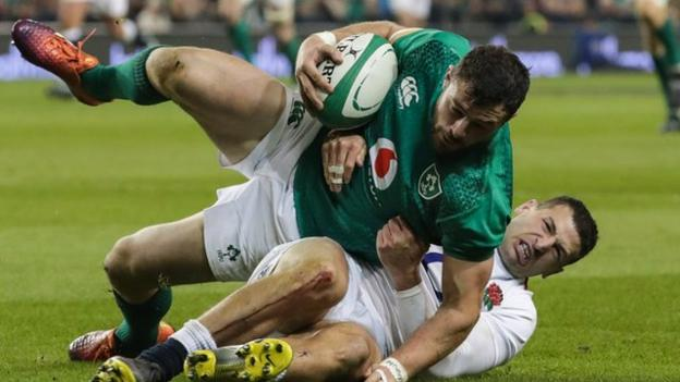 Robbie Henshaw started at full-back for Ireland in the Six Nations defeat by England