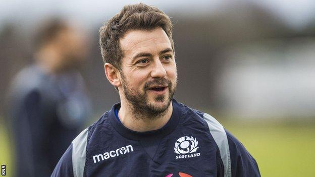 Greig Laidlaw trains with Scotland ahead of the France game