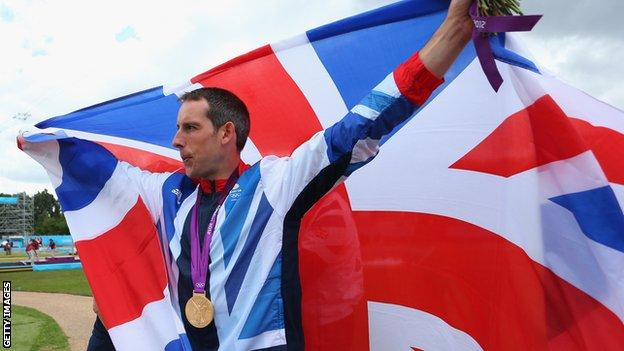 Etienne Stott won C2 gold at London 2012