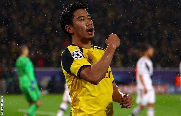 Shinji Kagawa of Borussia Dortmund celebrates